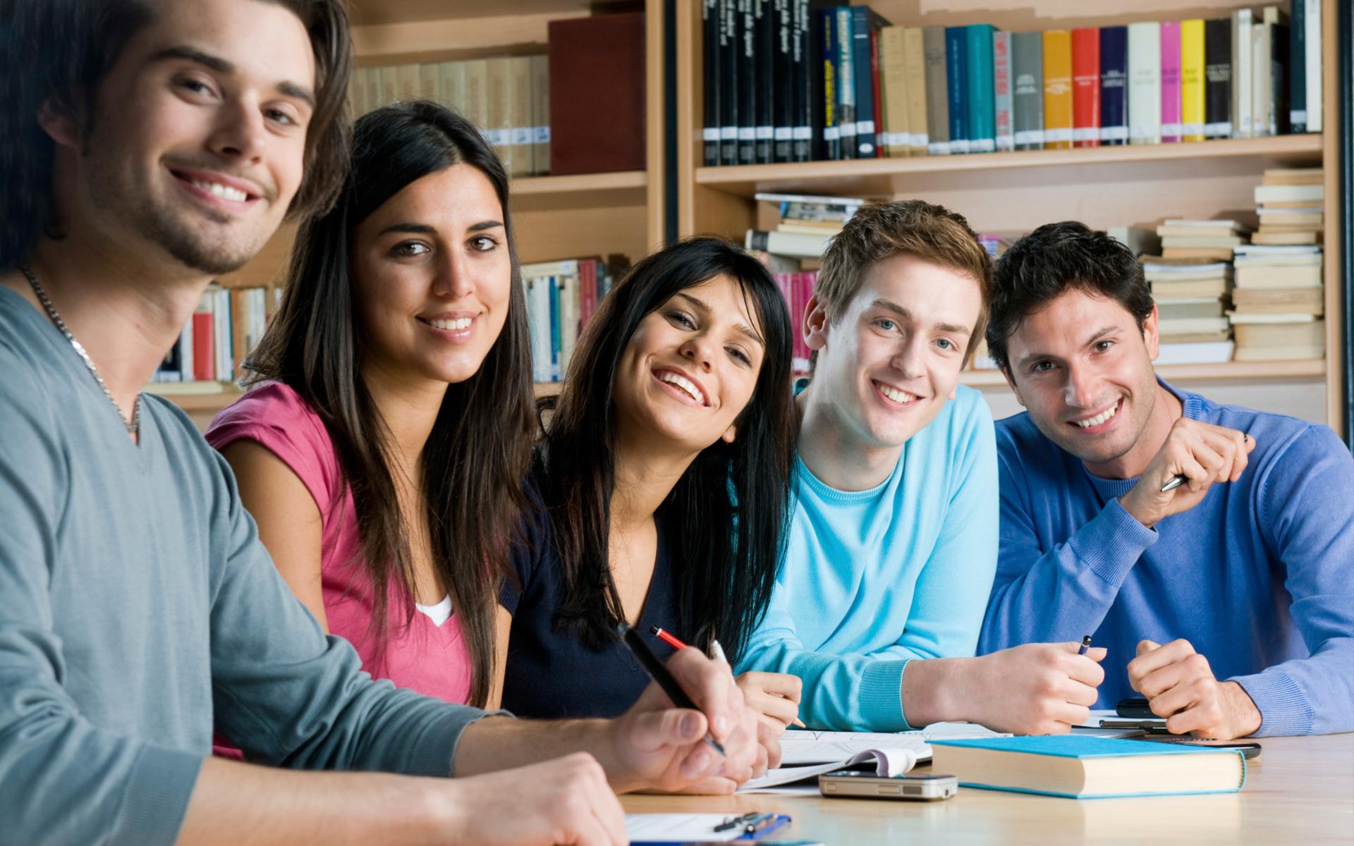 Öğrenciyim, Kredi Kartı Almalı Mıyım?