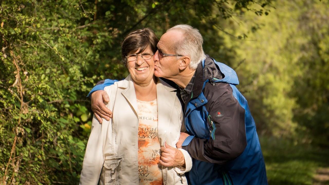 65 Yaş Yaşlılık Aylığı Nedir?