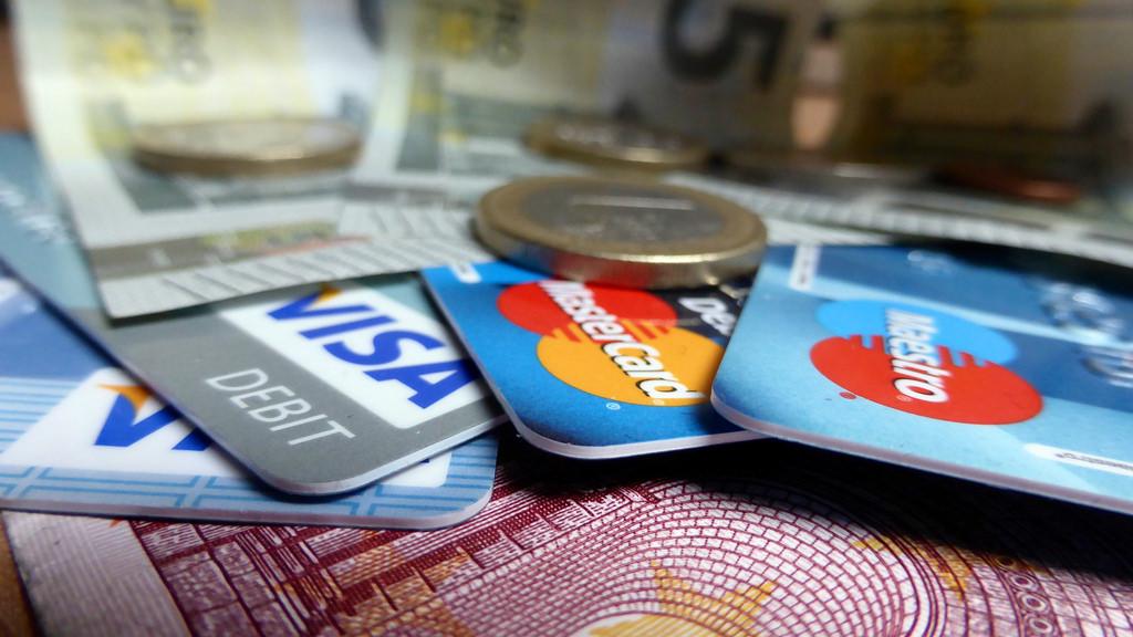 İnternetten Kredi Kartı İle Alışveriş Güvenli Mi ?
